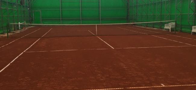 Тенис клуб АЛБЕНА монтира ново съоръжение